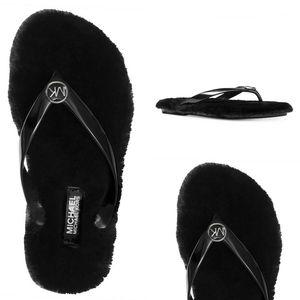 🆕 MICHAEL KORS Logo Faux Fur Flip Flop Sandals
